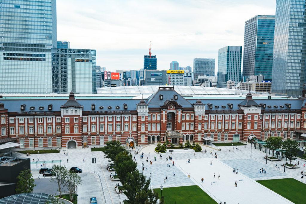 画像加工前の東京駅の写真2